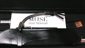 XVAPE/ Muse Concentrate Pen Vaporizer Inside Box